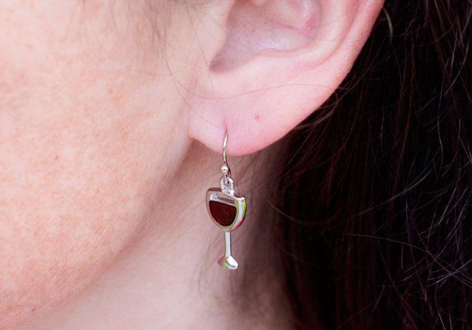 Wine glass in ear_800x1200